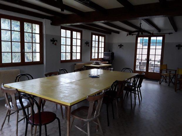 Gite source du lison : hébergement avec salle